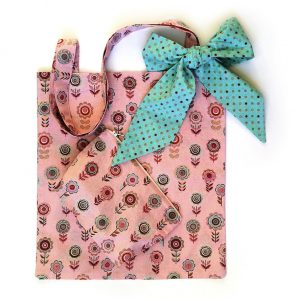 Tote bag and zipped pouch.
